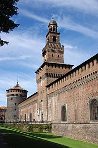 199px-20110725_Castello_Sforzesco_Milan_5557
